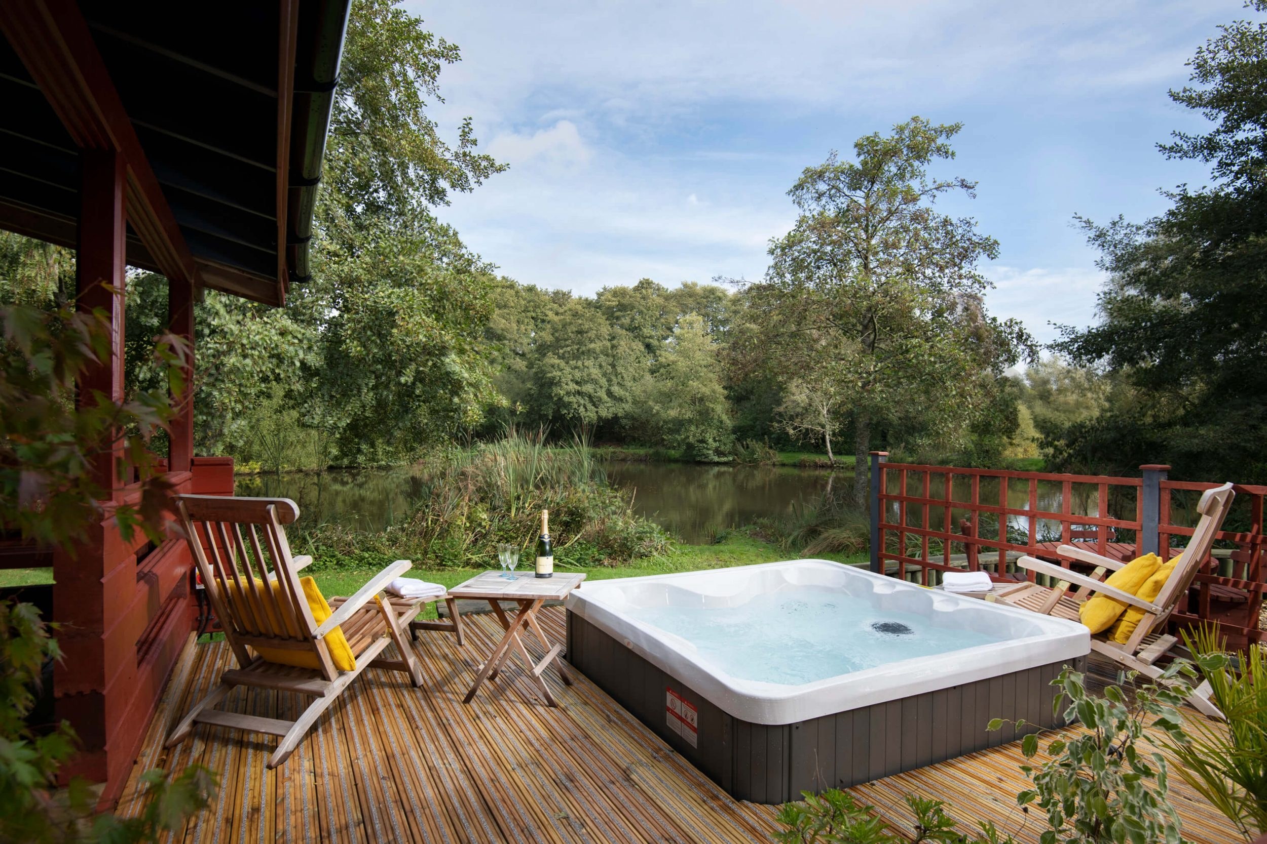 Luxury Fishing Lake Lodges With Hot Tubs Devon Otter Falls