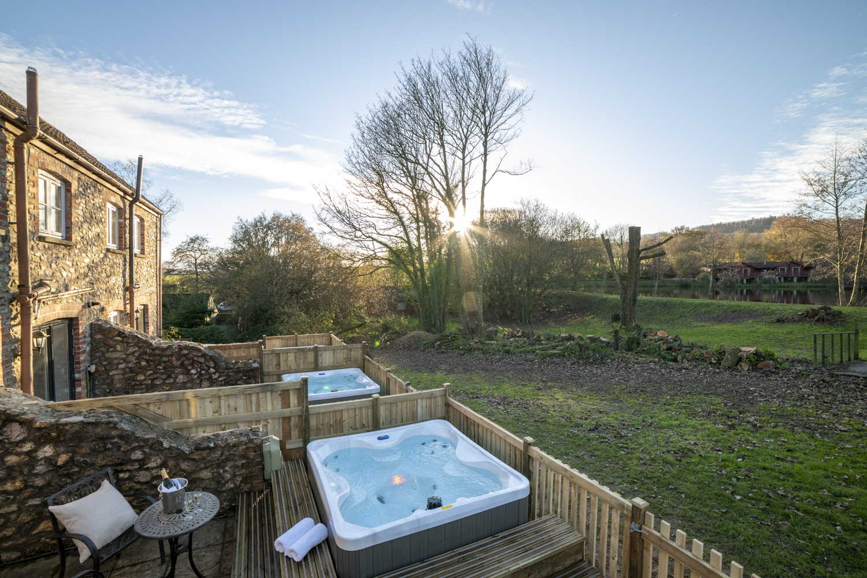 Otter Cottage Hot tub